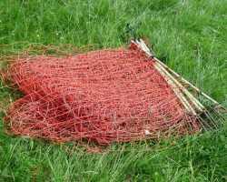 Защитная сетка для дачи: установка и применение