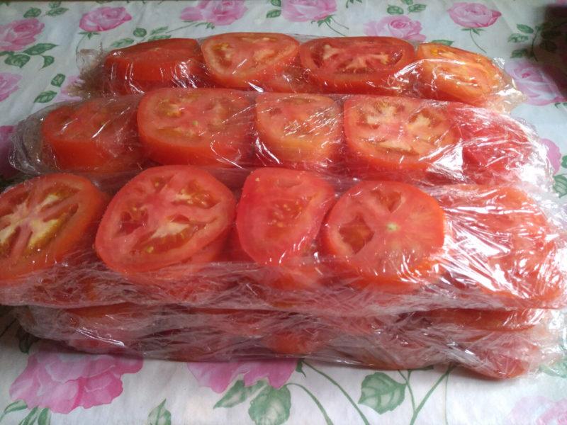 Способы заморозки томатов в морозилке для заготовок на зиму
