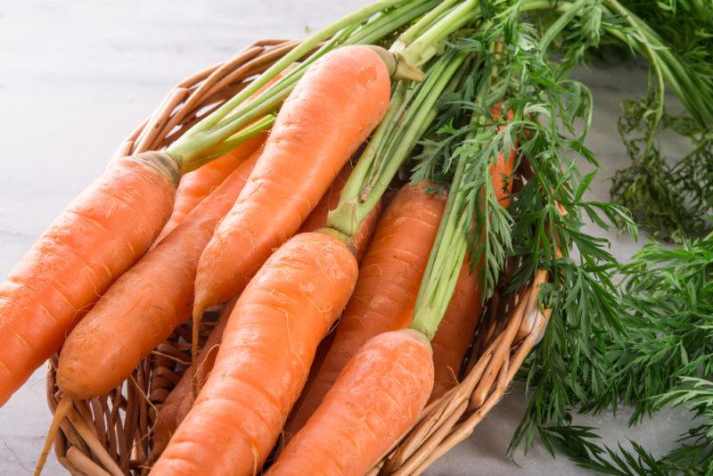 Как не заскучать на грядках? Пять необычных способов посева моркови