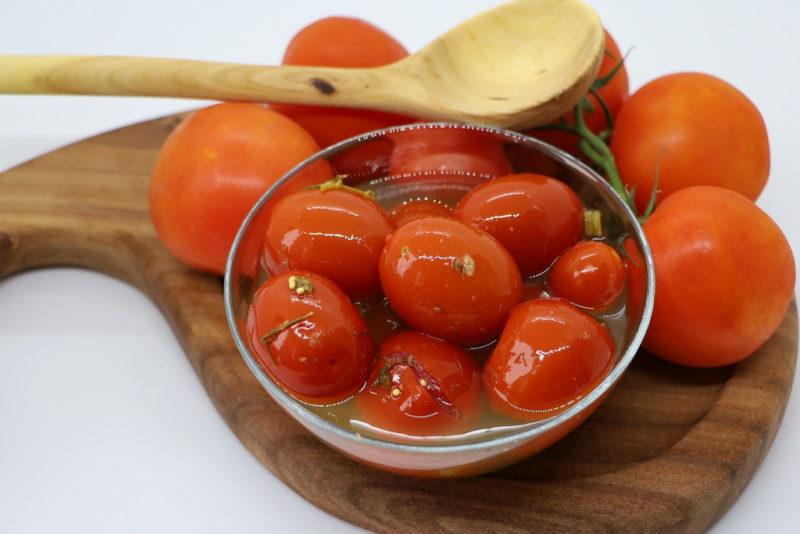 Помидоры в ароматной томатной пасте