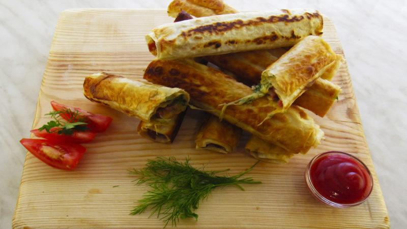 «Что приготовить, когда гость на пороге?». Порадуйте своих знакомых удивительным блюдом — хрустящей закуской из лаваша